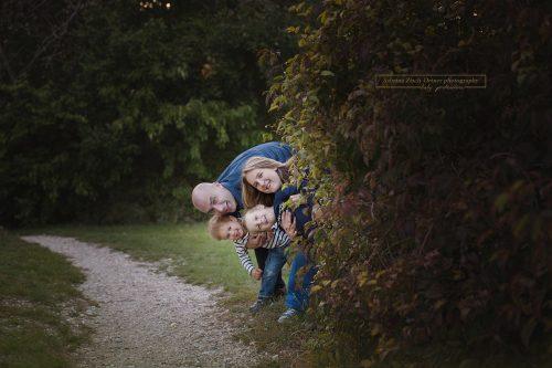 spaßiges Familienfoto mit Sabrina Zisch-Ortner photography