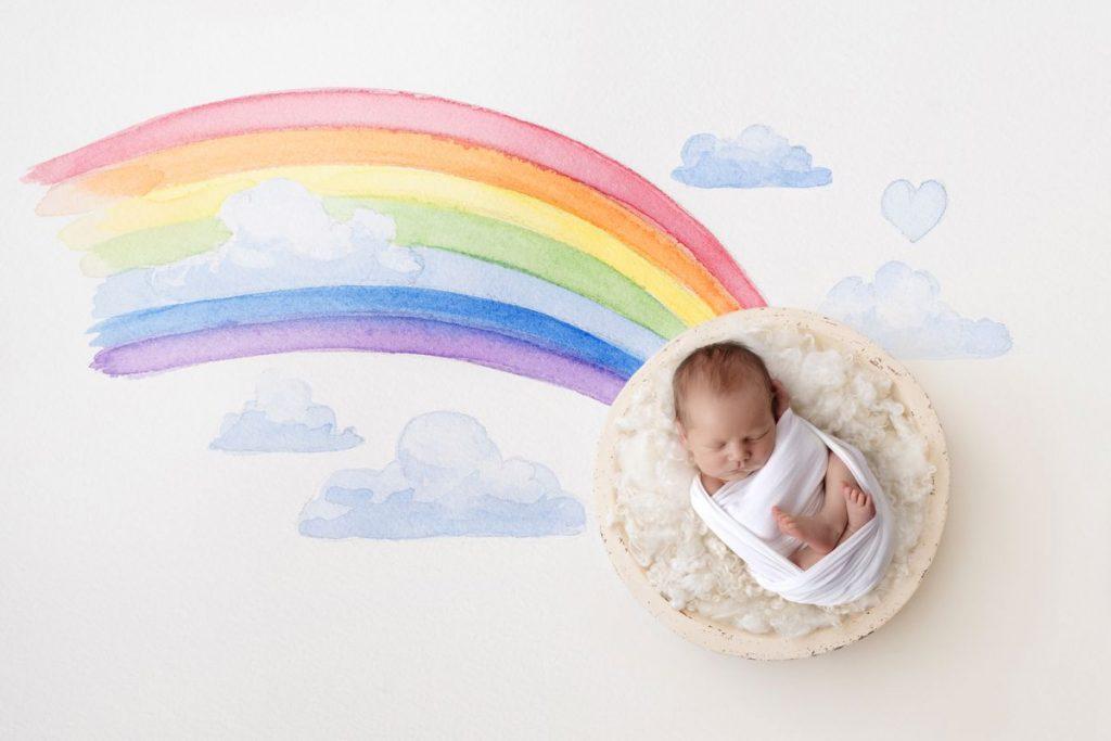 Regenbogen Fotoshooting Baby Composing mit Regenbogen aus Wasserfarben von Zisch-Ortner aus Wien