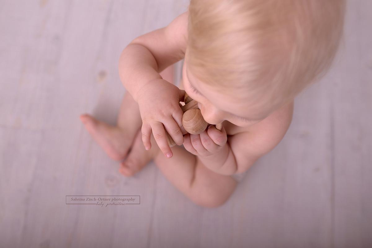 Detailaufnahme beim Fotoshooting in Wien der klitzekleinen Finger