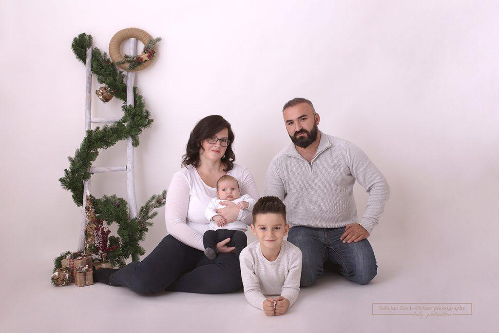Fotoshooting zu Weihnachten mit dem kleinstem Nachwuchs