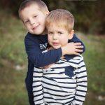 Geschwisterfoto der Brüder