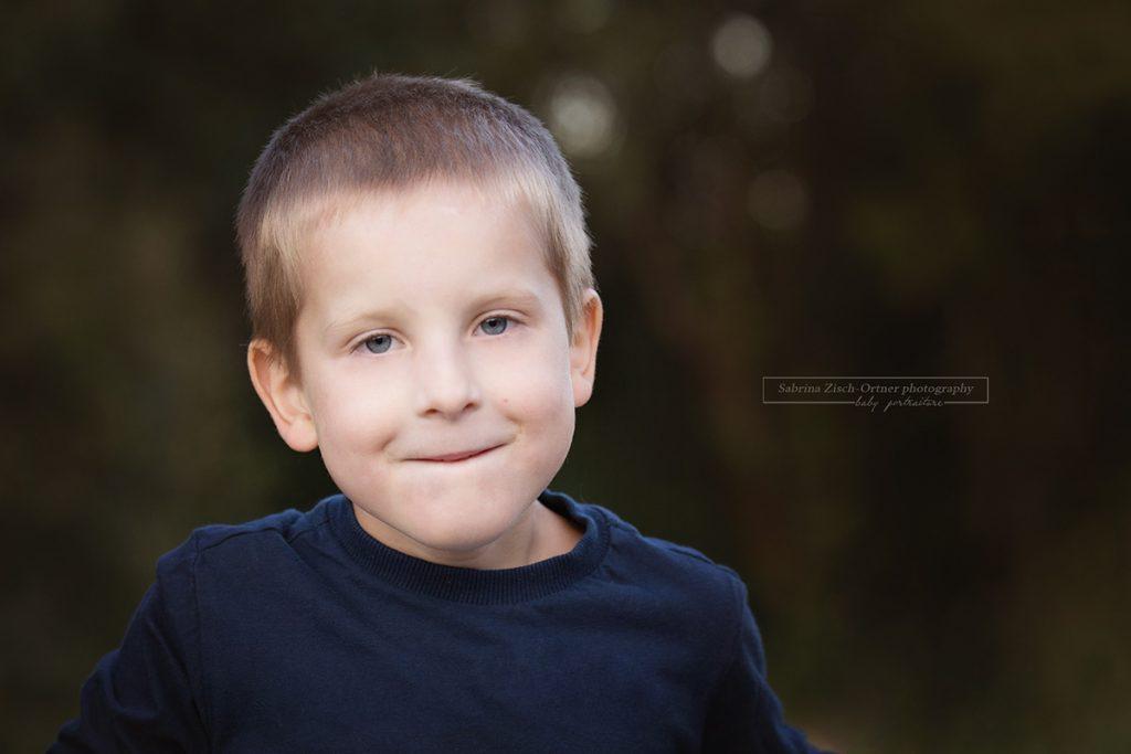 Portraitfoto des großen Bruders