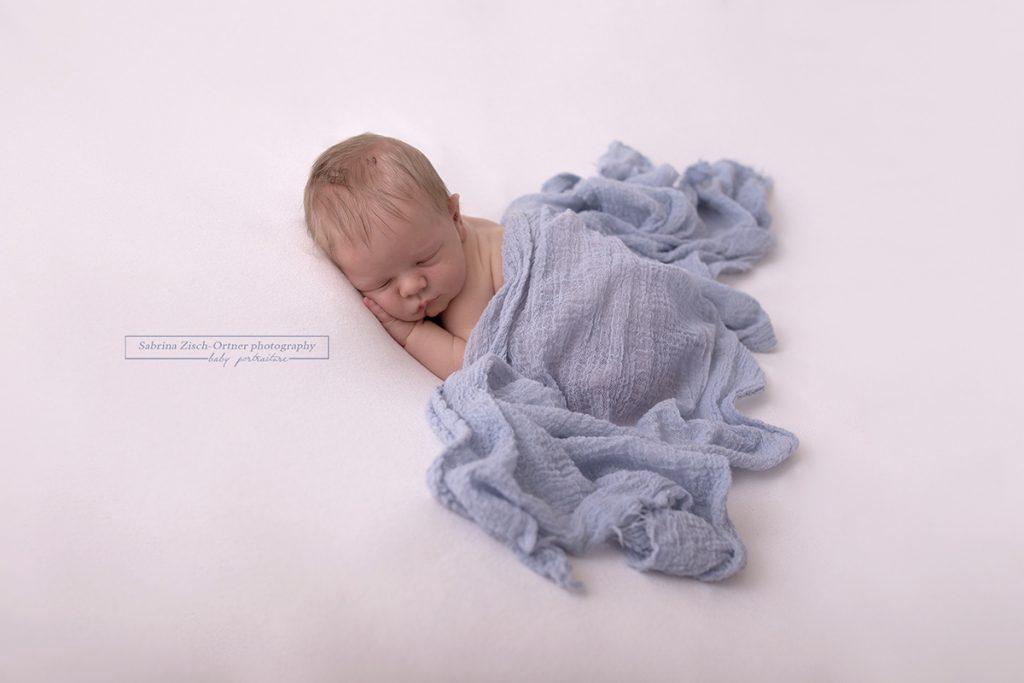 authentische und einfache newborn Fotografie