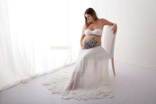 Bellypainting inkl Fotoshooting mit bemalten Babybauch bei Sabrina Zisch-Ortner