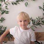 jaehrliche Fotos zeigen das groesser werden der Kinder bei Fotosession einmal im Jahr