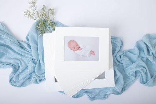 10 Stueck Bilder in Box aufbewahrt