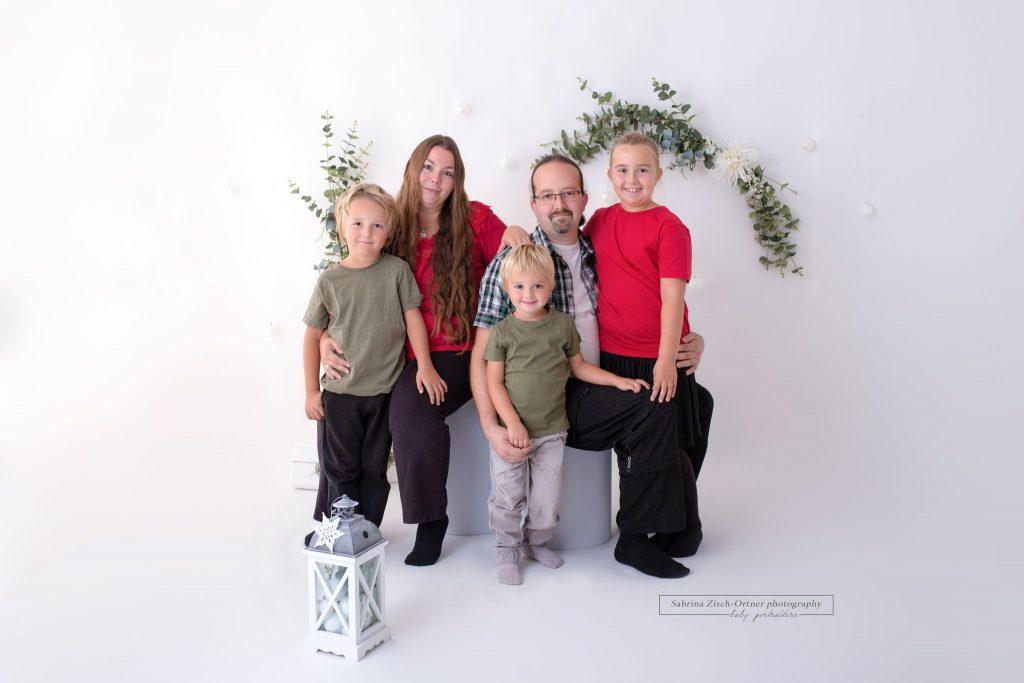 Familienfoto zu Weihnachten