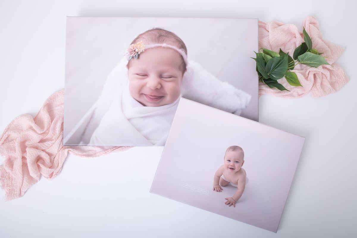 Leinwand 40x60cm Baby und Meilenstein Foto