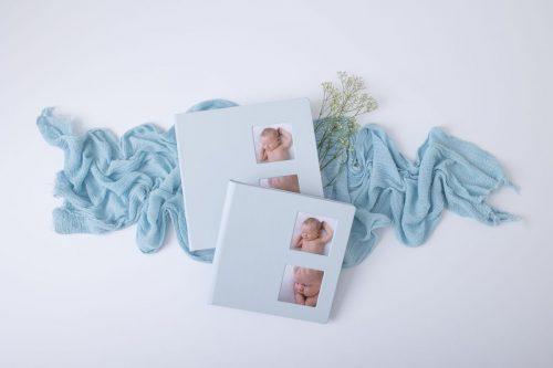 Rubin Fotobuch in Oeko Leder mit Bilderfenstern in Blau