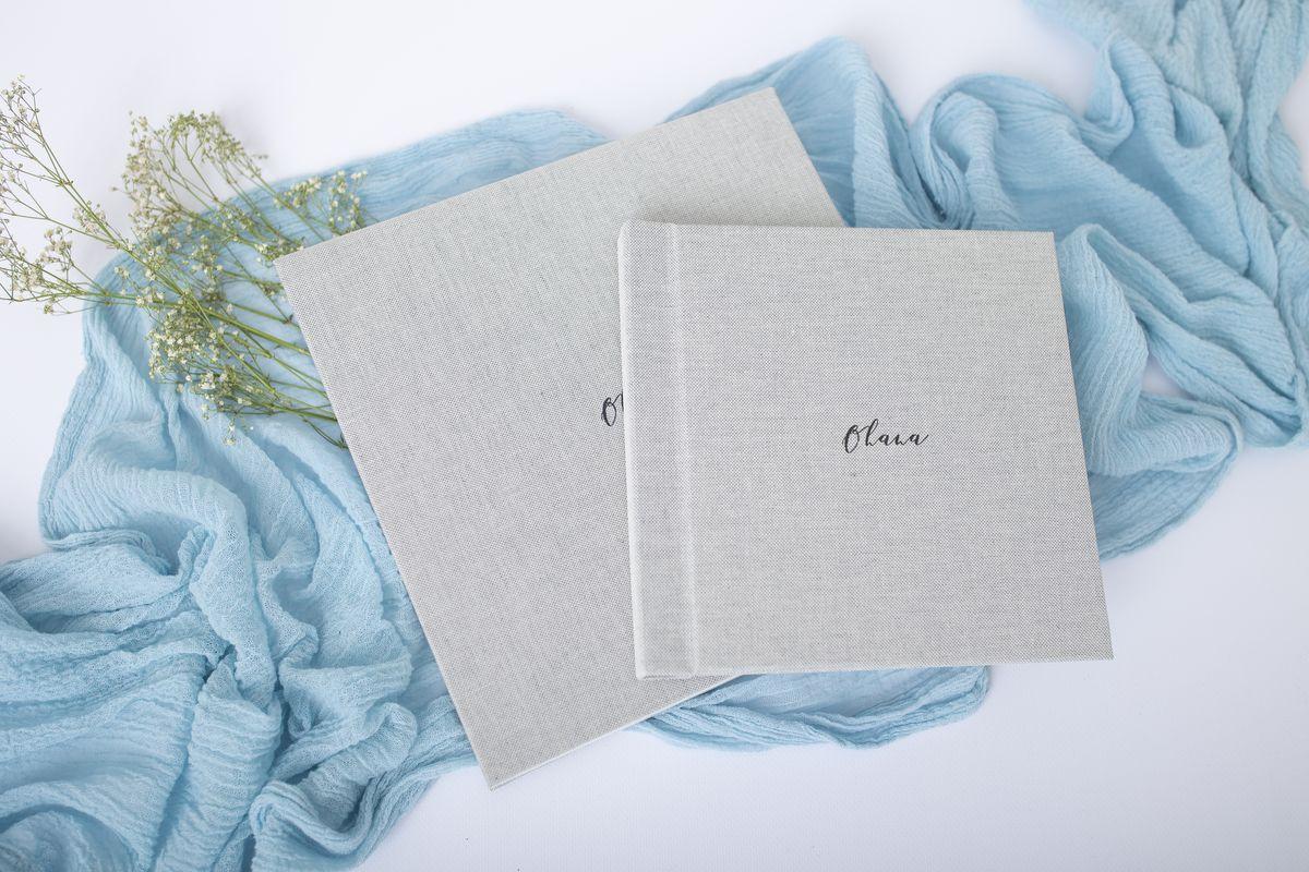 Verschiedene Groessen der Fotoalben mit Leinencover