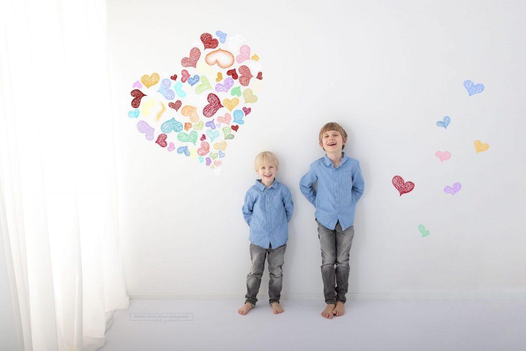 Geschwisterfoto beim Muttertags Fotoshooting