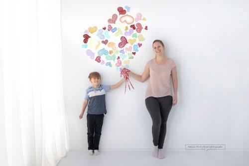 Mama und Sohn beim Muttertags Fotoshooting