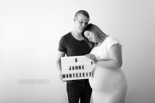 3 Jahre Wartezeit und eine IVF haben die bald Eltern des bald neugeborenen Jungen hinter sich