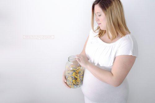 Babybauch Shooting mit Schwangeren welche eine künstliche Befruchtung IVF hatte